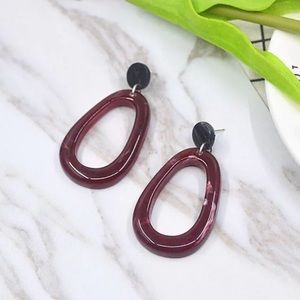 Jewelry - •nwt• acrylic geometric fashion earrings